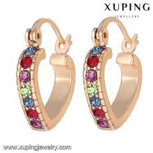92207 xuping china al por mayor de lujo personalizado joyería de las mujeres coloridas del corazón del amor 18k chapado en oro pendiente de aro