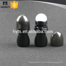 Plastikrolle der schwarzen Farbe 50ml auf leerer Flasche des desodorierenden Mittels