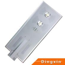 Lampe solaire intégrée de jardin de 60W LED avec du CE RoHS 100-110lm / W