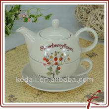 Pote de chá de cerâmica e design de flores