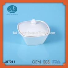 Pot en forme de carré en céramique blanche avec couvercle, pot de porcelaine pour l'utilisation de l'hôtel
