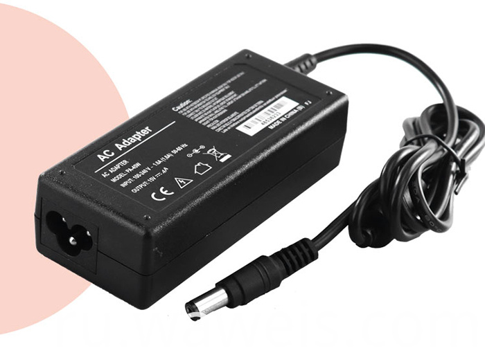 15V 4A laptop adapter