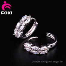 Diseño brillante del pendiente del tipo de anillo de piedras preciosas