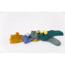 Lovely Fuzzy Ball Baumwollsocken Niedliche Socken für kleine Mädchen Wunderbare Looks