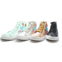 Chartlet Fashion Golden Leather Student Women Men Casual Shoes