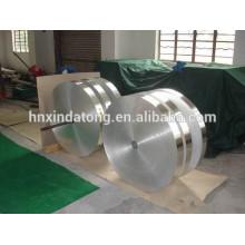 Bande d'aluminium adhésive