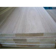 Panneau latté de noyau en bois de pin pour des meubles