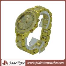 Montres-bracelet de mode en plastique liées par couleur d'or