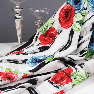 Ткани хлопчатобумажные сплетенные сплетенные для одежды