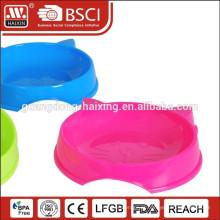 recipiente de alimento do animal de estimação plástico