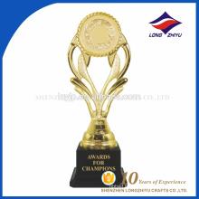 Prix du gagnant sportif, trophée en plastique en or, prix très bon marché