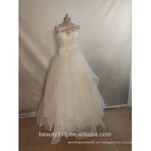 El vestido de boda de la sirena inspiró el cuello Tulle Charmeuse de la cucharada del tren de la capilla con rebordear el vestido nupcial del cordón P087