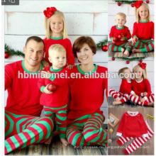 Schlussverkauf! Weihnachts-Winterabnutzung ein Satz Familienweihnachtspyjamas Großhandelskinderweihnachtspyjamas in der roten und weißen Farbe