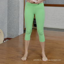 Usage sec de gymnase de yoga de femmes d'ajustement, sport portent, pantalons de yoga
