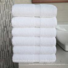 Гостиничное полотенце