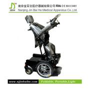 sedia a rotelle elettrica in piedi cure mediche