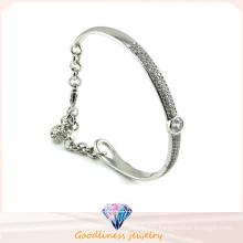 Luxury Austrian Crystal Bangle Beautiful Design 925 Silver Jewelry Bangle (G41252)