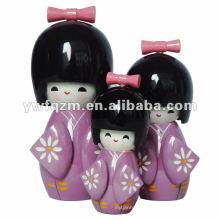 muñecas de madera kokeshi para la decoración
