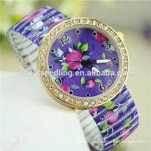 2015 neue Ankunft purpurrote Blumenentwurfs-dünne Uhr