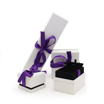 Cardboard jewelry packaging box with velvet insert