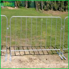 Barrière de contrôle de foule en acier à commande galvanisée avec pieds plats