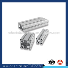 Perfil em alumínio
