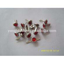 Goupille de fabrication professionnelle en métal avec un design varié