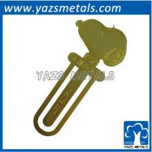 personnaliser un signet, un marque-photo en métal personnalisé avec électro-étincelant doré