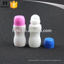 rollo plástico del color 50ml en la botella vacía del desodorante
