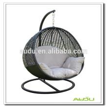 Cadeira de balanço interior do assoalho