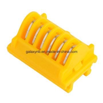 Clips de titânio com cartucho de plástico para instrumento cirúrgico