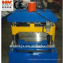Máquina formadora de rollos de tejado articulada