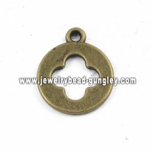 Round shape alloy pendant necklace
