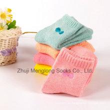 Calcetines de algodón de bebé calcetín de algodón recién nacido con calcetines de algodón arco de Embrodiery