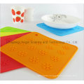 Anti-Skid Snowflake Silicone Table Mat for Holiday Sm40