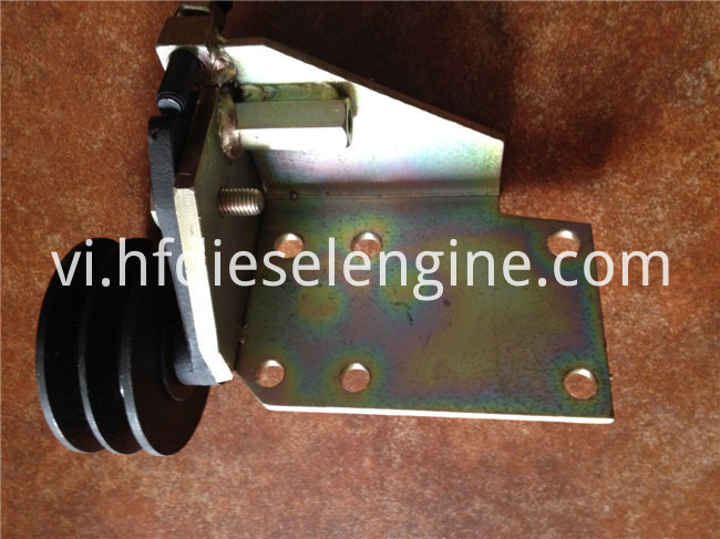 DEUTZ 413 belt tensioner pulley (1)