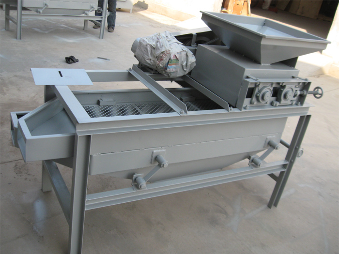 High Shelling Rate Almond Cracker Machine