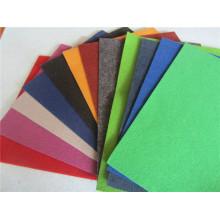 2015 Neuer Entwurf 100% Polyester Plain Exhibition Teppich