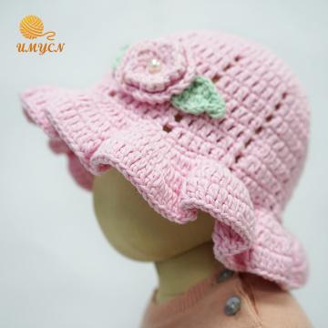 Bonnet en tricot fait main au crochet doux