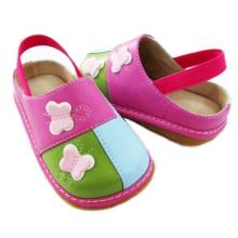 Упругие задние сандалии для девочки
