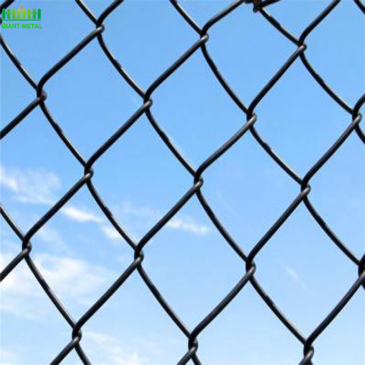 Should-you-use-chain-link-fencing-1024x771