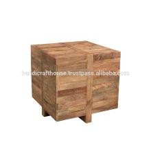 Mesinha de madeira sólida em cubo