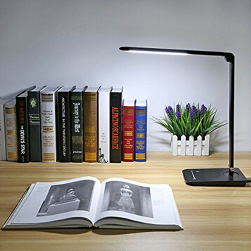 Professional LED Eye-caring Desk Light for Reading