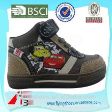 Altos zapatos de deporte de los muchachos de china de tobillo con dibujos animados