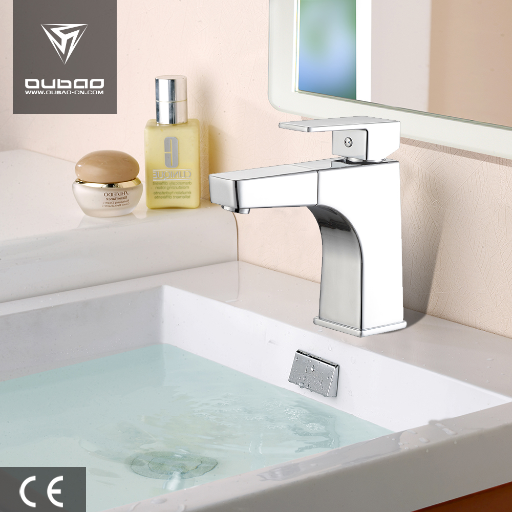 Faucet With Water Flexible Hoses