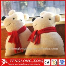 Décoration de canapé peluche ours blanc avec oreiller écharpe rouge