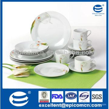 La fábrica china suministra directamente el lirio de calla que pinta la comida de la porcelana de la porcelana del hogar de 20pcs