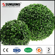 colgando de árboles de bambú artificiales al aire libre flores de la bola de la bola