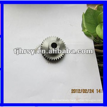 Driving spur gear keyway added