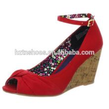 2015 Späteste Entwurfsart und weise reizvolle Mädchen flache Frauenschuh rote Sandelholzschuhe